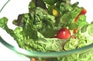 210064288-saladier-tomate-cerise-bol-en-verre-carotte