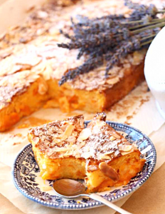 рецепт флана с абрикосами и миндальными хлопьями